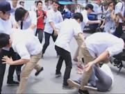 Giáo dục - du học - Camera giấu kín: Khi thấy học sinh đánh bạn giữa đường