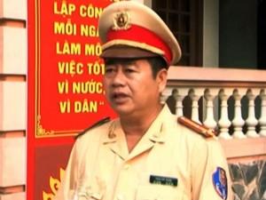 Tin tức Việt Nam - Nghẹt thở giải cứu bé 3 tuổi khỏi người cha đòi tự tử