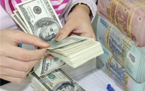 Tài chính - Bất động sản - Tỉ giá được nới, giá USD tăng mạnh