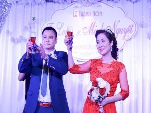 Phim - Vợ chồng Tự Long hạnh phúc trong ngày cưới