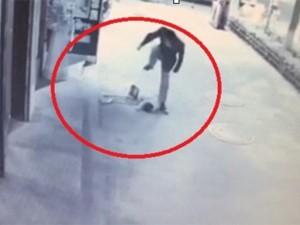 8X + 9X - Clip: Phẫn nộ bé trai 2 tuổi bị dẫm đạp, đánh xuất huyết não