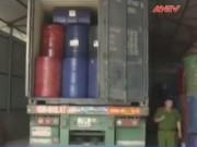 An ninh Kinh tế - Tiêu dùng - Phát hiện hơn 400 thùng phuy mỡ lợn bẩn