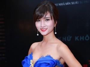 Kim Tuyến vai trần quyến rũ đi ra mắt phim kinh dị
