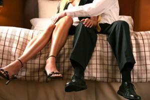 Bạn trẻ - Cuộc sống - Chồng dán thông báo tìm người vợ bỏ trốn theo tình địch
