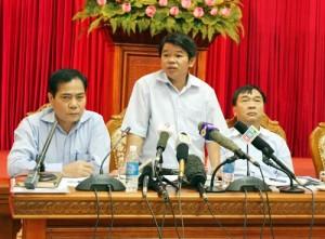 Tin tức trong ngày - Cựu GĐ vừa bị bắt từng nói gì về sự cố vỡ ống nước sông Đà?