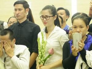 Sao Việt nức nở tiễn biệt Duy Nhân lần cuối