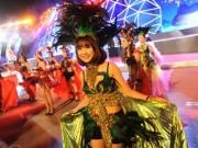 Du lịch Việt Nam - Hạ Long đẹp lung linh với sắc màu Carnaval