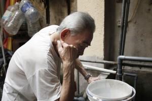 """Tin tức Việt Nam - Ảnh: Hàng trăm hộ dân """"khát nước"""" giữa Thủ đô"""