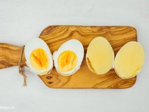 Ẩm thực - Clip: Tuyệt chiêu luộc trứng toàn lòng đỏ