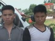 Video An ninh - Bắt nhóm trai làng mang gậy, đá chặn đường cướp xe