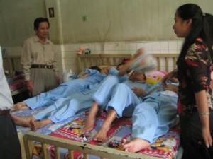 Sức khỏe đời sống - Mỗi tháng, Việt Nam có gần 1.000 người nhiễm HIV