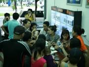 Nắng 38 độ người Hà Nội vẫn  đổ xô  mua dế hot