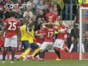 Video bàn thắng - Blind hụt siêu phẩm trước Arsenal... vì Smalling