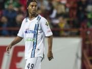 """Bóng đá - Ronaldinho đọ siêu phẩm với """"vua đá phạt"""" Bundesliga"""