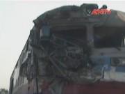 Camera hành trình - Tông vào xe tải, lái tàu hỏa nguy kịch