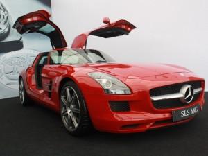 """Xe xịn - Cận cảnh siêu xe """"cửa cánh chim"""" Mercedes SLS AMG"""
