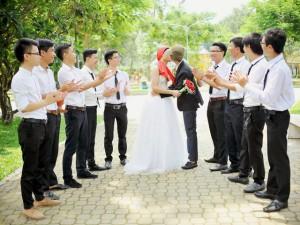 """""""Đám cưới kỷ yếu"""" độc, lạ của sinh viên Sài Gòn"""