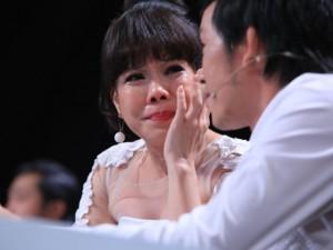 Việt Hương rơi nước mắt vì võ sư một chân