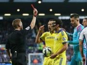 Video bóng đá hot - Fabregas nhận thẻ đỏ vì sút bóng vào đầu đối phương
