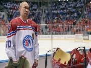 Thể thao - Vác gậy lên sân băng, Tổng thống Putin ghi 8 bàn