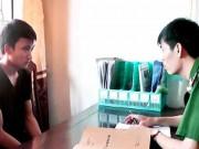 An ninh Xã hội - Khởi tố nam thanh niên vác dao chém 2 CSGT