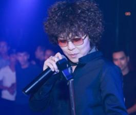 Tiên Tiên mặc quần đùi lên sân khấu Hà thành