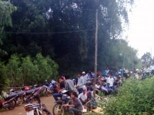 Tin tức Việt Nam - Bốc sắn lên ô tô, 3 người bị sét đánh chết tại chỗ