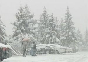 Phi thường - kỳ quặc - Tuyết rơi trắng giữa mùa hè tại Trung Quốc
