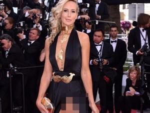 Sao nữ U40 bị gió thổi tung váy trên thảm đỏ Cannes