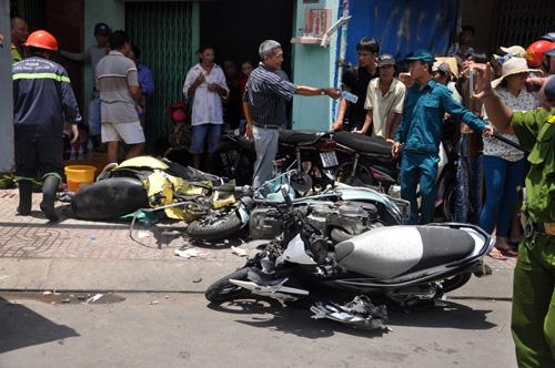 Xe ben đâm sập nhà dân: Ở nhà cũng bị xe tông chết