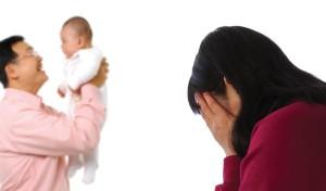 Bạn trẻ - Cuộc sống - Nhắm mắt nhìn chồng chăm con riêng