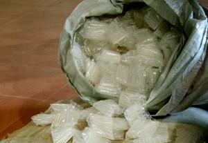 Thị trường - Tiêu dùng - Bắt giữ hơn 1,6 tấn thuốc kích thích tăng trưởng giá đỗ
