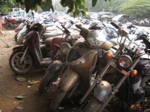 Tin tức Việt Nam - Từ 2018, thu hồi xe máy, ô tô hết hạn sử dụng
