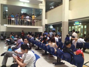 Tin tức trong ngày - Hà Nội: Nắng nóng kéo dài, hàng nghìn trẻ nhập viện