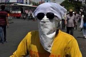 """Tin tức trong ngày - Ấn Độ nắng nóng như """"lò bát quái"""", hơn 1.000 người chết"""