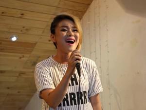 """Ca nhạc - MTV - Hải Yến Idol """"ghen tỵ"""" trước sức hút của Angela Phương Trinh"""