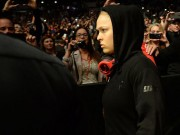 """Võ thuật - Quyền Anh - Nữ hoàng UFC bị khuyên đừng """"tự tử"""" trước khi lên đài"""