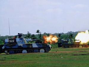 Tin tức trong ngày - Máy bay Mỹ phát hiện pháo TQ trên đảo nhân tạo