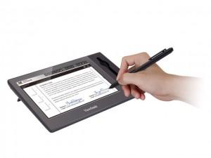 Công nghệ thông tin - Bút cảm ứng mang phong cách viết bi thường dùng