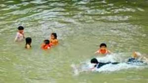Tin tức Việt Nam - Tắm khe sau lễ tổng kết, 2 học sinh chết đuối