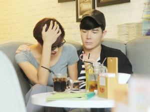 Nathan Lee ân cần lo lắng cho Phương Mai sau scandal