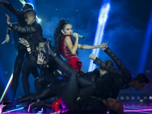 """Ca nhạc - MTV - Phương Uyên bức xúc vì Thảo Trang """"vô lý"""" bị loại"""