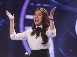 Ca nhạc - MTV - Hot girl 19 tuổi bị loại ở Top 8 Vietnam Idol