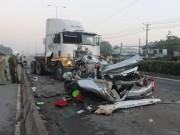 Camera hành trình - Tai nạn kinh hoàng, 5 người cùng gia đình thiệt mạng