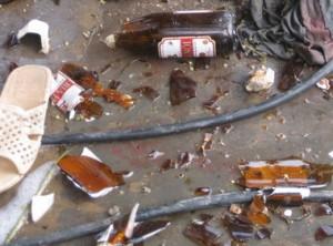 An ninh Xã hội - Khách cầm vỏ chai bia vỡ đâm chết quản lý tiệm game