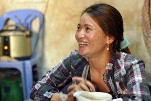 """Tin tức Việt Nam - Nếu lại nhặt được tiền, """"tỷ phú ve chai"""" vẫn nộp cho công an"""
