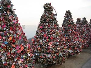 Tình yêu - Giới tính - 10 điểm có khóa tình yêu nổi tiếng nhất định phải đến