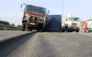 Tin tức Việt Nam - Xác minh thông tin liên tục tai nạn trên đại lộ nghìn tỷ ở TPHCM