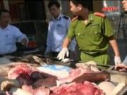 Thị trường - Tiêu dùng - Chặn đứng gần 300kg thịt lợn thối suýt lên mâm