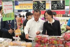 Thị trường - Tiêu dùng - Nhiều nông sản Việt vào siêu thị lớn nhất Singapore